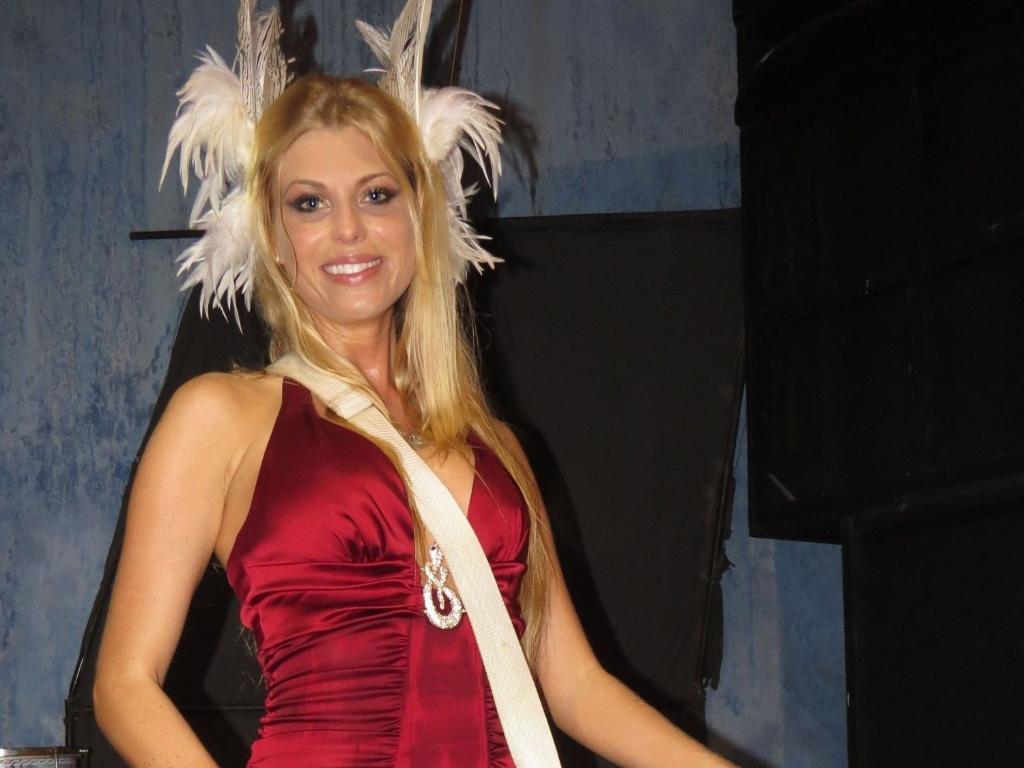 Caroline Bittencourt esteve na quadra da Tucuruvi, que fica na Zona Norte da capital paulista, para o último ensaio do ano da escola