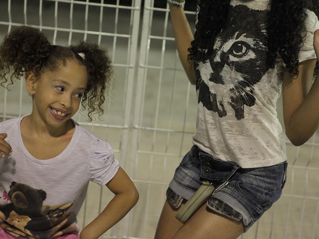 5.jan.2013 - 5.jan.2013 - Com muitas crianças e famílias, o público que foi ao Sambódromo do Anhembi, em São Paulo, assistiu ao ensaio técnico da Gaviões da Fiel e da X-9 Paulistana