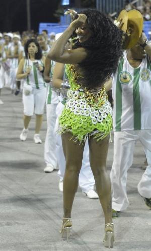 6.Jan.2013 - Camila Silva, rainha da bateria da Mocidade Independente de Padre Miguel, participa do ensaio técnico da escola no sambódromo do Rio