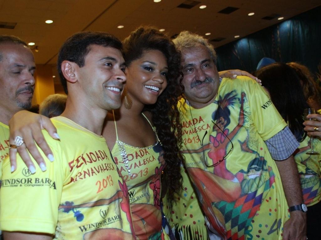 19.jan.2013 - Juliana Alves participa de feijoada da Unidos da Tijuca em hotel na Barra
