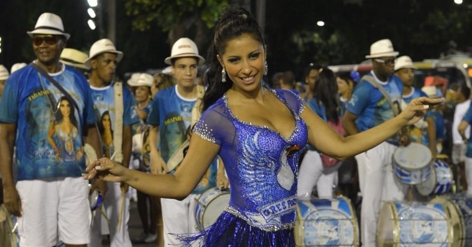 19.jan.2013 - Rainha da Portela, Patrícia Nery em ensaio técnico