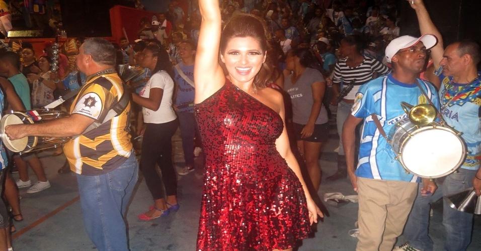 31.jan.2013 Livia Andrade vai estrear à frente da bateria da Acadêmicos do Tucuruvi ao lado de Valéria de Paula, rainha da agremiação, e Carolinne Bittencourt