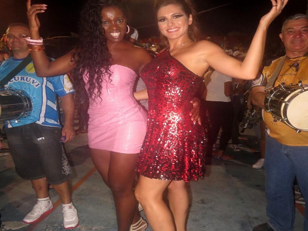 31.jan.2013 Valéria de Paula, rainha da Tucurvi, ao lado de Livia Andrade. Este ano a escola vai apresentar o enredo