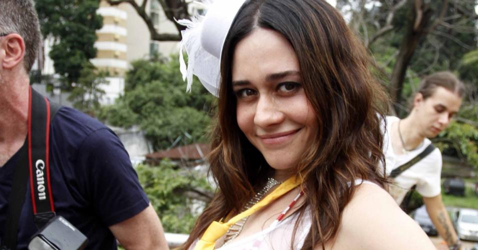 3.fev.2013 - Alessandra Negrini desfila como Rainha de Bateria do bloco Acadêmicos do Baixo Augusta, em São Paulo