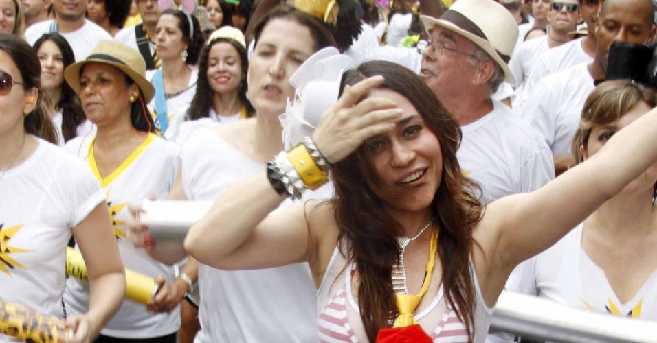 3.fev.2013 - Alessandra Negrini é Rainha de Bateria do bloco Acadêmicos do Baixo Augusta, em São Paulo.