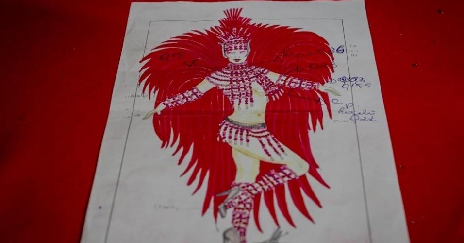 1.fev.2013 Desenho da fantasia que Cozete Gomes usará no desfile da Tom Maior. A participante do reality