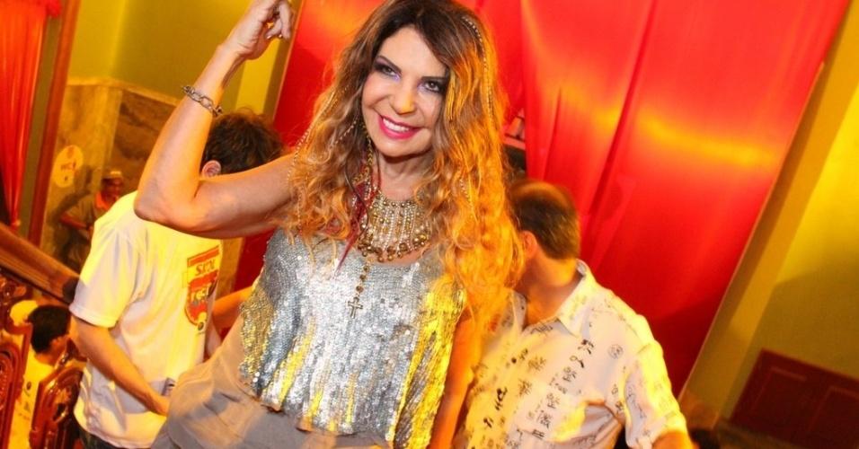 5.fev.2013 - Elba Ramalho no camarote da Skol, em Recife, no pré-carnaval da capital pernambucana