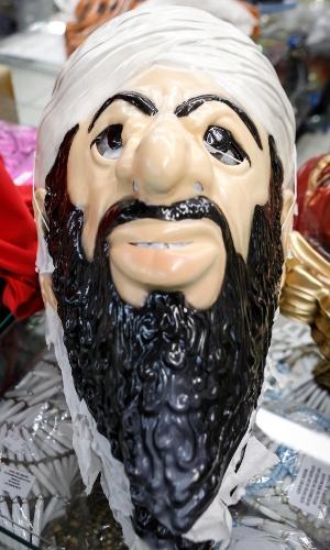 6.fev.2013 Já para estar caracterizado como Osama Bin Laden, é possível ter a máscara do terrorista por R$15