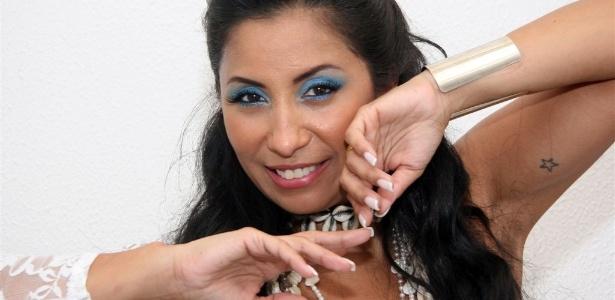 Patrícia Nery é a nova rainha da bateria da Portela