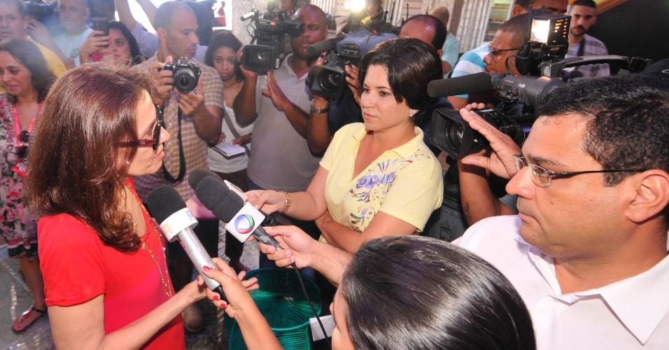 7.fev.2013 - Flora Gil na coletiva para o lançamento do camarote Expresso 2222, em Salvador