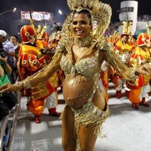 9.fev.2013 - A X-9 Paulistana se apresentou com 5 alegorias e cerca de 2.800 integrantes