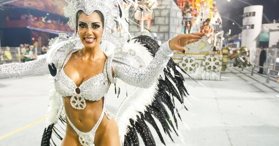 8.fev.2013 - O Grêmio Recreativo Cultural Escola de Samba X-9 Paulistana foi fundado em 12 de fevereiro de 1975, no bairro da Parada Inglesa, Zona Norte de São Paulo