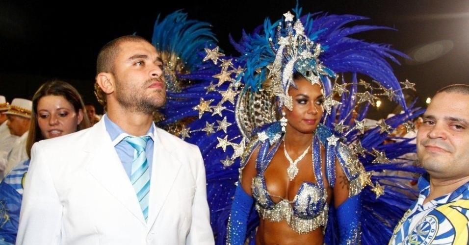 """9.fev.2013 - """"Ser homenageado por uma escola de samba é a maior homenagem que se pode receber"""", falou Diogo Nogueira"""