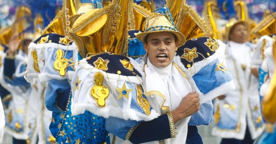 9.fev.2013 - Em 2012, com um tema que falou sobre o movimento tropicalista, a agremiação da Zona Oeste de São Paulo obteve a 12ª posição. João Nogueira morreu em 2000, vítima de um enfarte