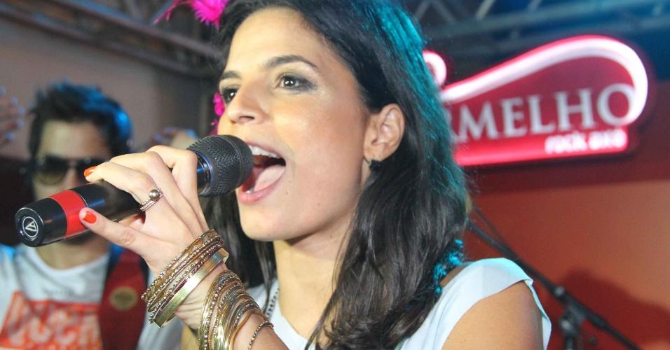 """9.fev.2013 - Ex-vocalista da Banda Eva, Emanuelle Araújo disse em entrevista à """"Quem"""" que é """"Impossível voltar a se apresentar no Carnaval."""" Atualmente, ela se dedica à carreira de atriz"""