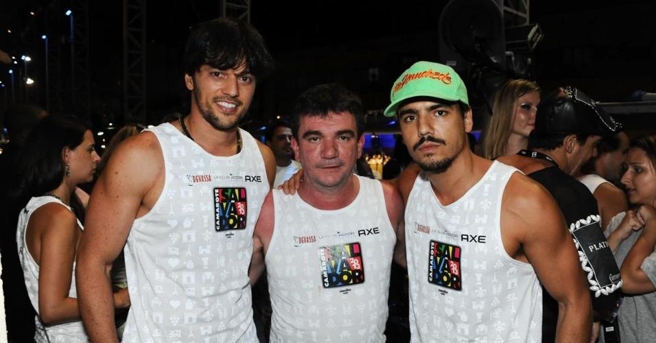 9.fev.2013 - Fábio Faria, Andrés Sanchez e Tulio Dueck curtem show de música eletrônica no Camarote Salvador