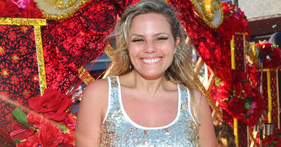 9.fev.2013 - Maria Cândida curte show de Ivete Sangalo no Carnaval de Salvador
