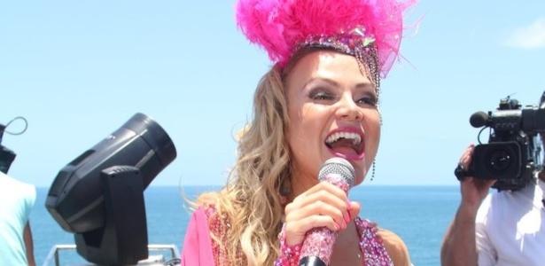 9.fev.2013 - Na transmissão do Carnaval do SBT, Eliana afirmou estar