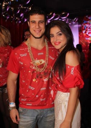 Emiliano d 39 avila curte carnaval de salvador na pipoca e for Muralha e sua namorada