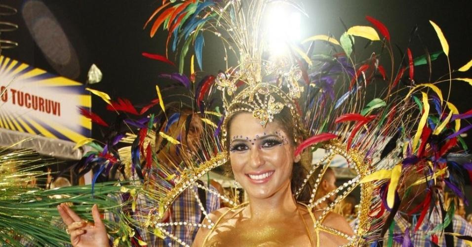 10.fev.2013 - A atriz Lívia Andrade é a princesa de bateria da Acadêmicos do Tucuruvi