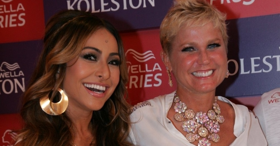10.fev.2013 - As apresentadoras Sabrina Sato e Xuxa estiveram no Camarote Caras