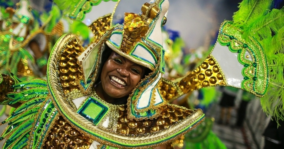"""10.fev.2013 - Império de Casa Verde presta homenagem a """"todos os tipos de cura"""", como diz o carnavalesco Alexandre Lousada."""