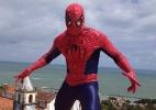Bloco Enquanto Isso na Sala de Justiça tem show de rapel com Homem-Aranha - James Cimino/UOL
