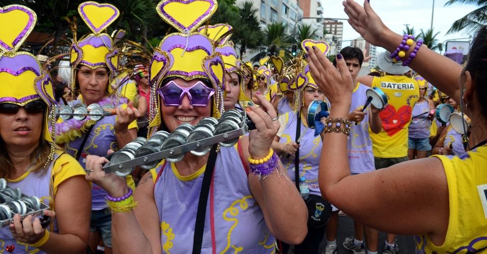 10.fev.2013 - Ritmistas no bloco Simpatia é Quase Amor