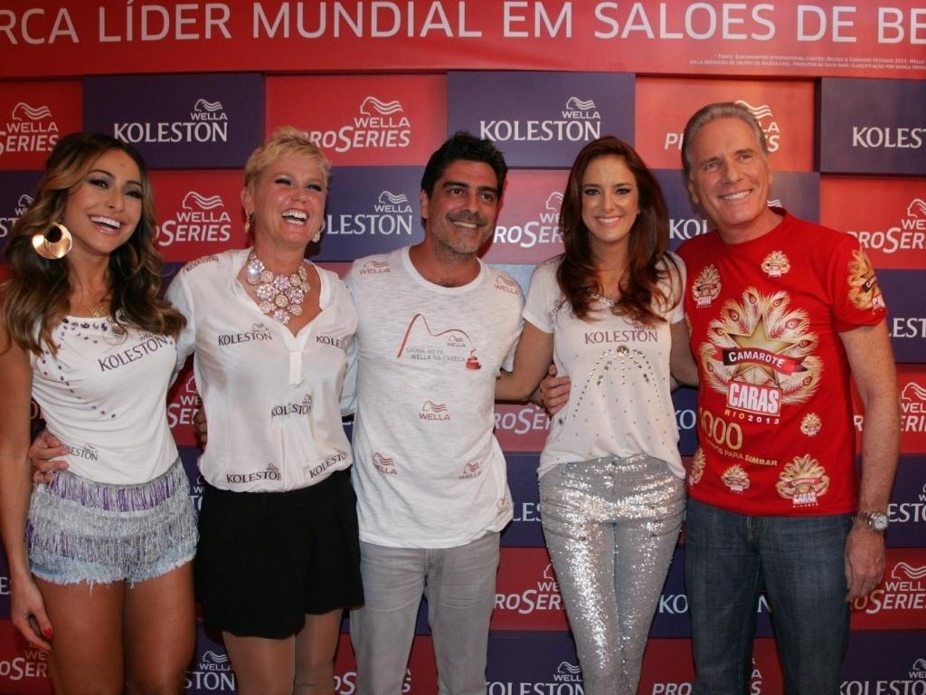 10.fev.2013 - Sabrina Sato, Xuxa, Junno Andrade (namorado de Xuxa), Ticiane Pinheiro e Roberto Justus no Camarote Caras
