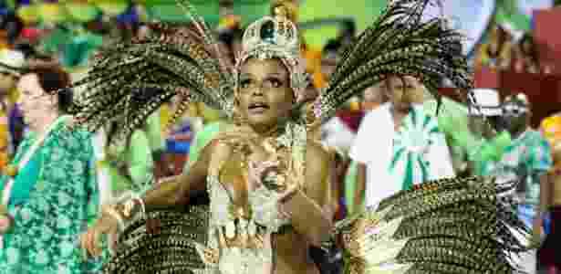 10.fev.2013-  Mulata do Gois, Quitéria Chagas desfila como  rainha do Império Serrano - FotoRioNews - FotoRioNews