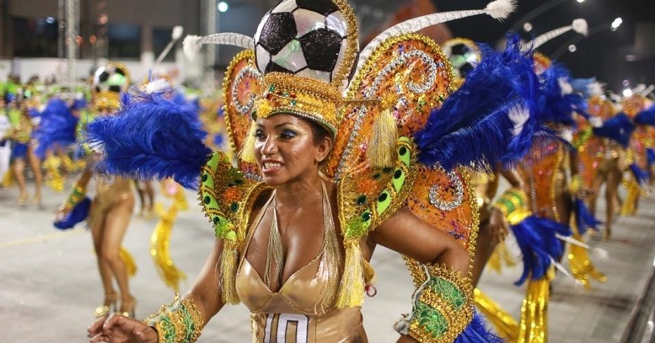 10.fev.2013 - Ala dos esportes praticados pelos coreanos. A Unidos da Vila Maria foi a quinta escola foi a quinta a passar pelo Sambódromo do Anhembi neste sábado.