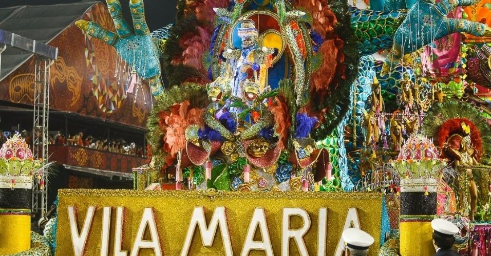 10.fev.2013 - Carro abre-alas da Unidos da Vila Maria. Escola foi a quinta a passar pelo Sambódromo do Anhembi em São Paulo