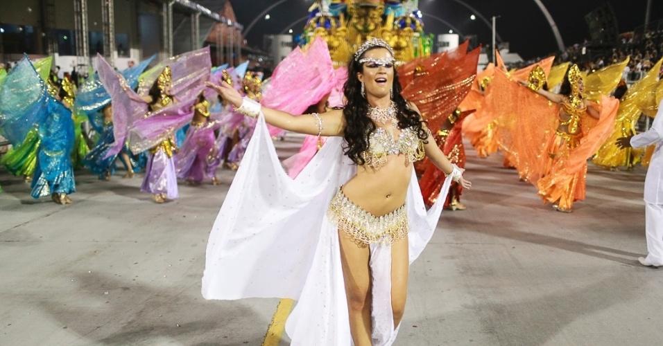 10.fev.2013 - Com 27 alas e mais de 3.000 integrantes, a Império de Casa Verde encerrou o Carnaval de São Paulo.