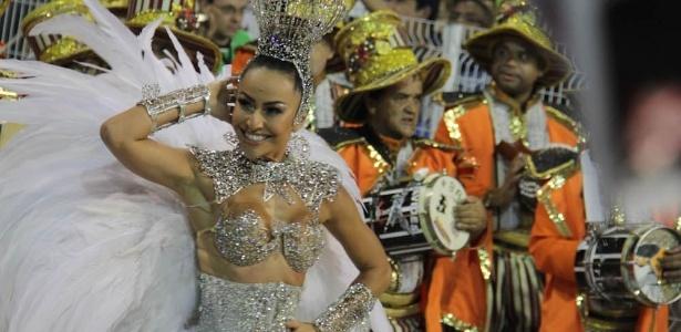 9.fev.2013 - Sabrina Sato no desfile da escola Gaviões da Fiel no Sambódromo do Anhembi, em São Paulo