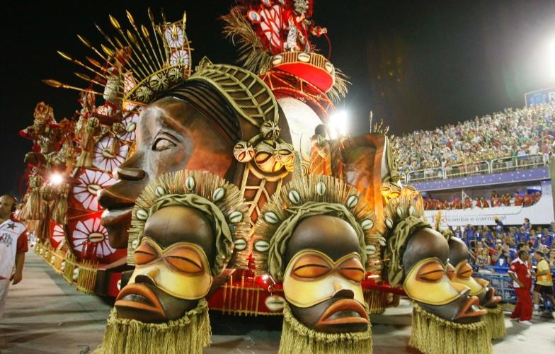 10.fev.2013 - Desfile da Salgueiro no primeiro dia dos desfiles no Sambódromo do Rio de Janeiro