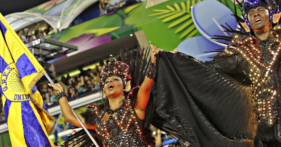 10.fev.2013 - O samba puxado por Bruno Ribas exaltou a contribuição alemã em diversos campos do conhecimento, como ciência e tecnologia, arte e cultura