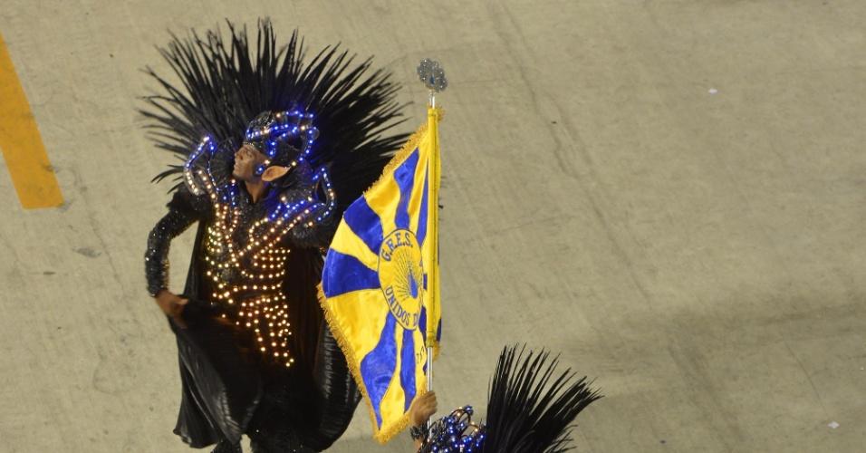 10.fev.2013 - Desfile da Unidos da Tijuca no sambódromo do Rio