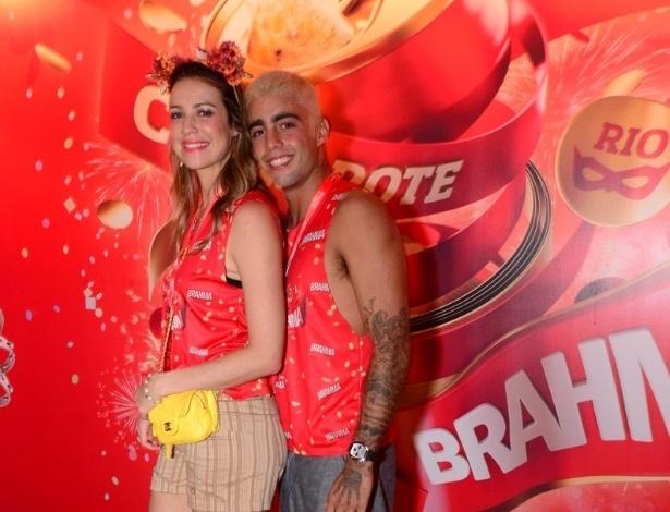 10.fev.2013 - Luana Piovani revelou que irá se casar com o companheiro Pedro Scooby com o filho no colo