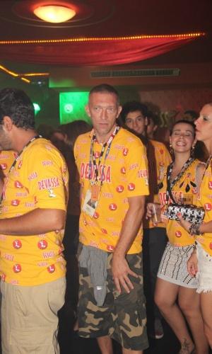 10.fev.2013 - Vincent Cassel curte camarote no Rio de Janeiro