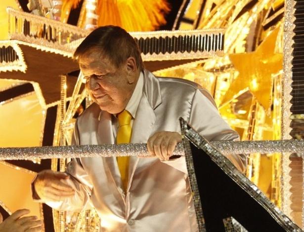 11.fev.2013 - Boni durante o desfile da São Clemente no segundo dia de desfiles no sambódromo do Rio