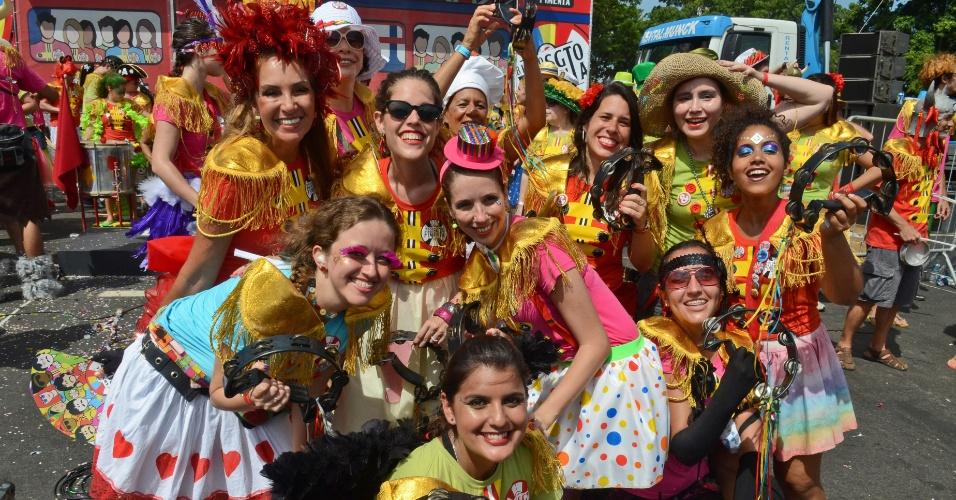11.fev.2013 - Inspirado em música dos Beatles, o bloco do Sargento Pimenta atrai cariocas e turistas na capital fluminense