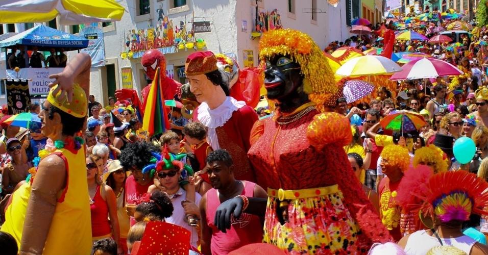 11.fev.2013: Bloco Eu Acho É Pouquinho, versão infantil do Eu Acho É Pouco, desfila em Olinda