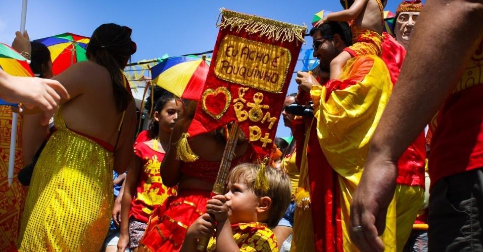 11.fev.2013: Folião desfila no Eu Acho É Pouquinho, versão infantil do tradicional Eu Acho É pouco