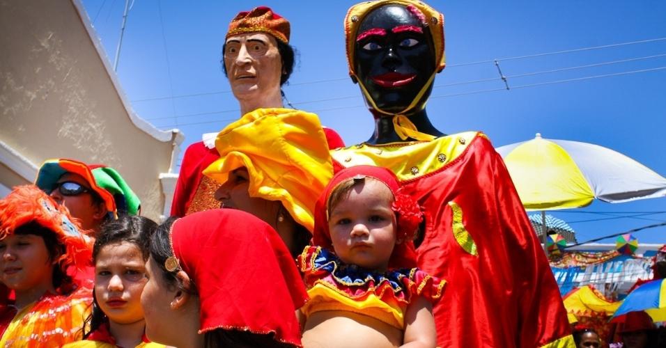 11.fev.2013: Foliona desfila no Eu Acho É Pouquinho, versão infantil do tradicional Eu Acho É pouco
