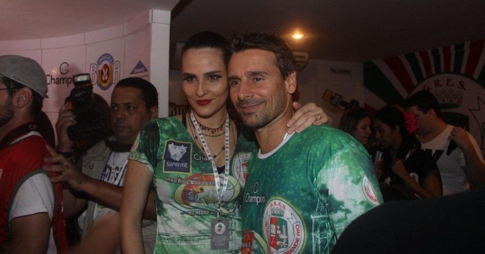 11.fev.2013 - A modelo Fernanda Tavares e seu marido, Murilo Rosa, acompanham a festa no Camarote da Grande Rio