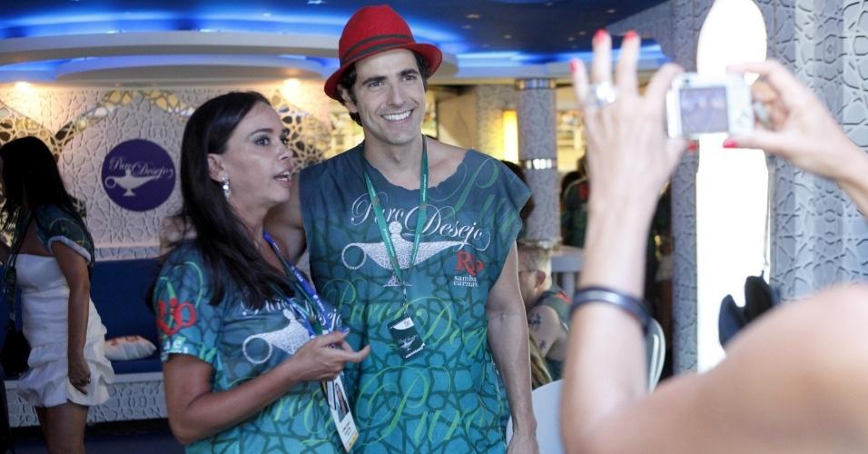 11.fev.2013 - o ator Reinaldo Gianecchini acompanhou os desfiles no Camarote Rio Samba e Carnaval