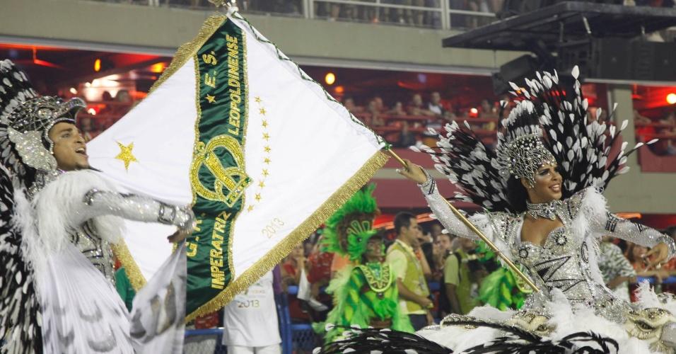 12.fev.2013 - Mestre-sala e porta-bandeira da Imperatriz Leopoldinense. Escola contou a história do esdado do Pará.
