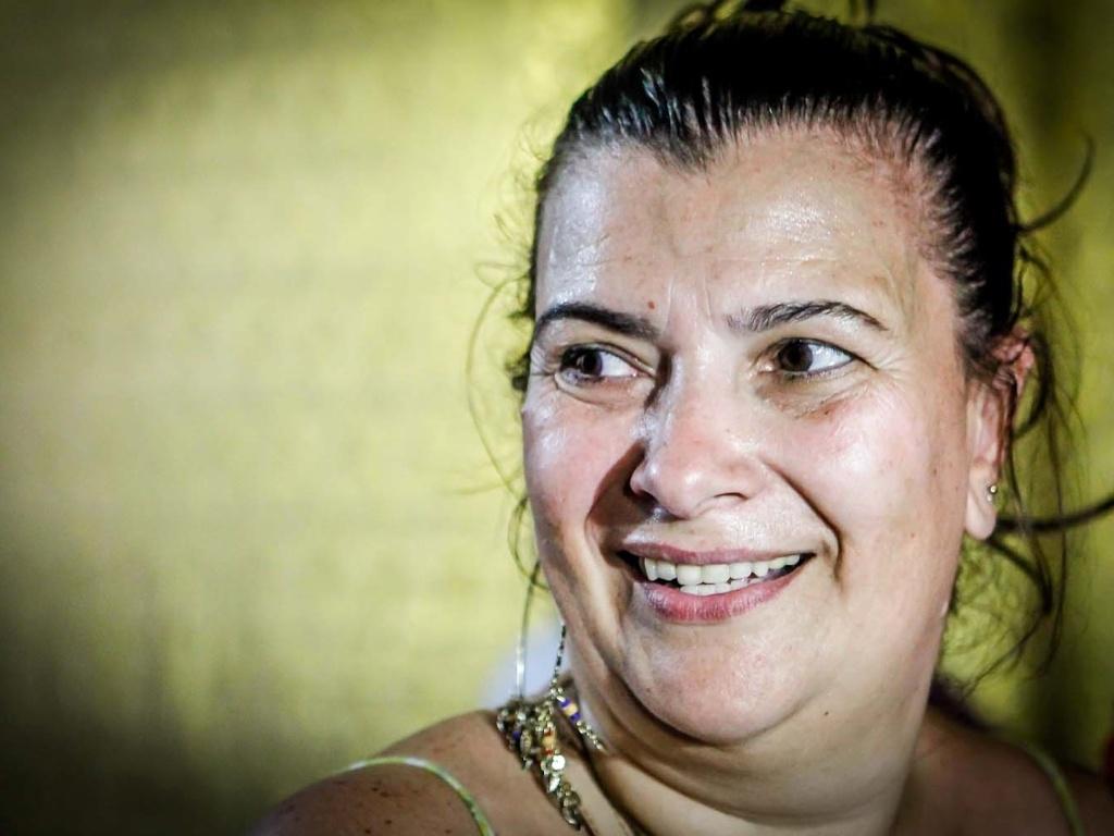 12.fev.2013 - Na quadra da agremiação, a presidente da Mocidade Alegre, Solange Bechara, comemora o bicampeonato