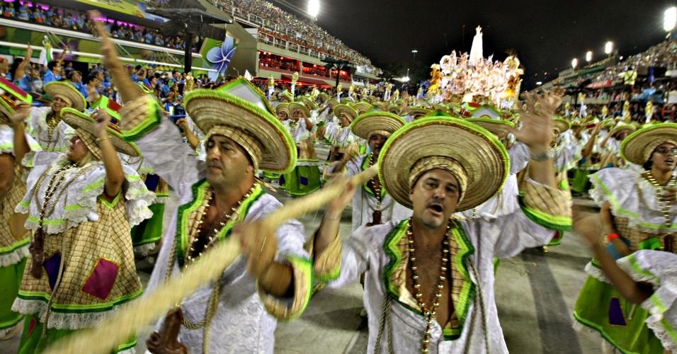 12.fev.2013 - Romeiros cantam a história do estado do Pará, enredo da Imperatriz Leopoldinense