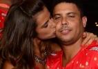 Em camarote no Rio, Ronaldo ganha um beijo da namorada, Paula Morais - Marcelo Dutra/AgNews